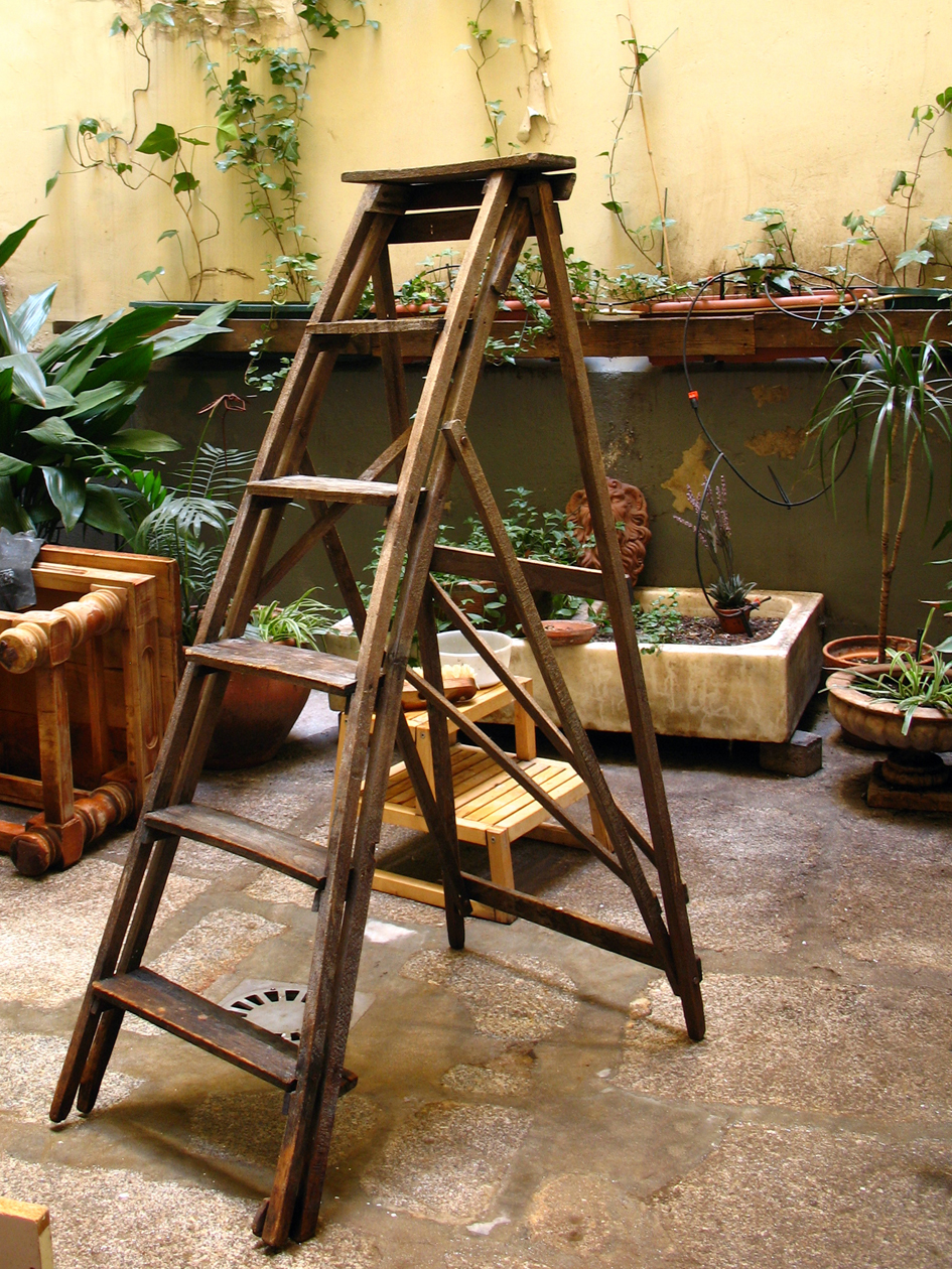 La escalera del pintor taller y medio - Escalera de madera de pintor ...