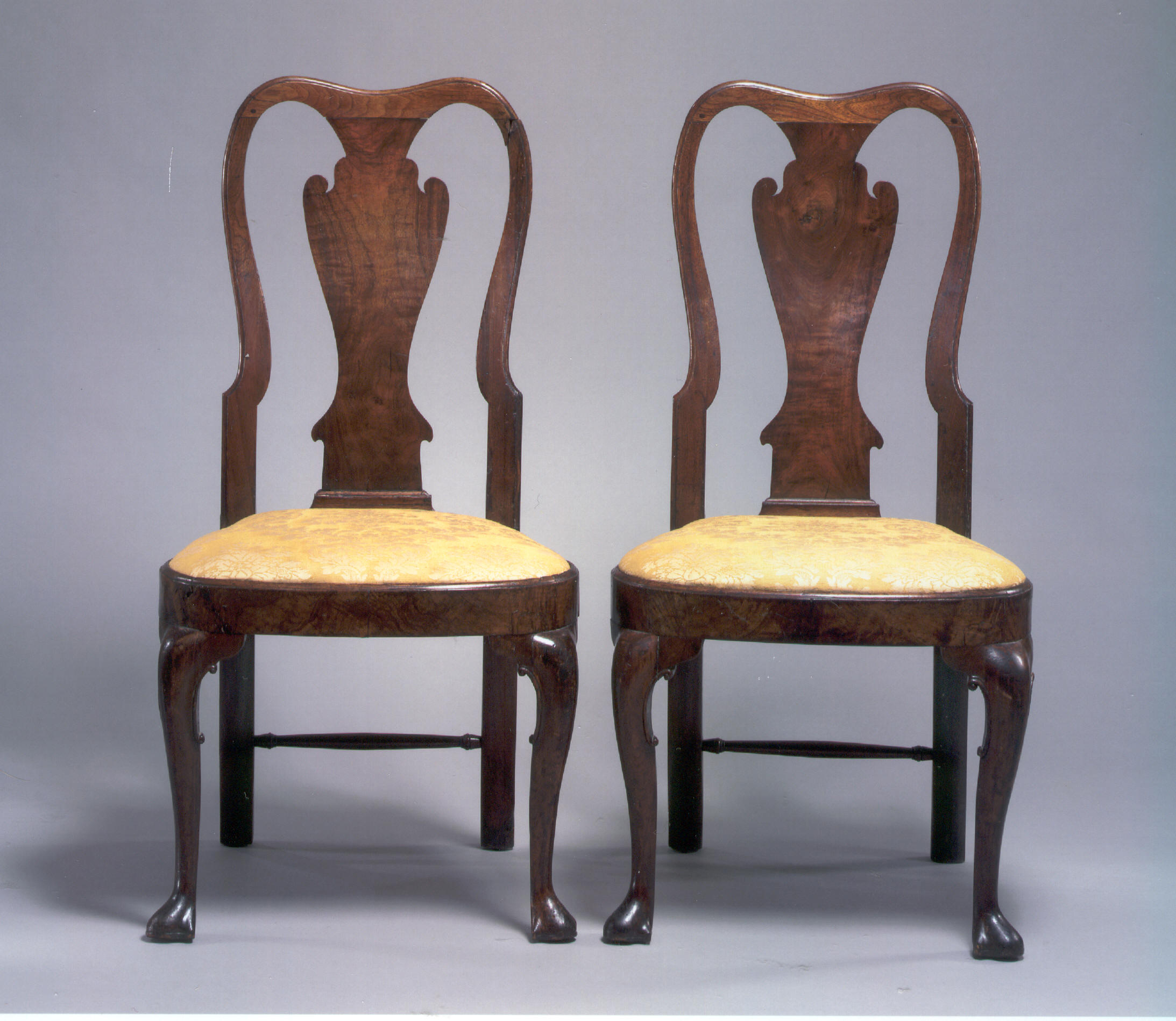 Muebles Reina Victoria - Estilo Reina Ana Taller Y Medio[mjhdah]https://tallerymedio.files.wordpress.com/2012/08/armchair-old-plank-road.jpg